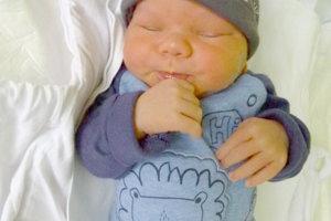 Eve Gažíkovej a Tiborovi Nagyovi z Lontova sa narodil 28. januára synček TIBOR ako štvrté dieťa. Malý Tiborko po narodení meral 50 cm a vážil 2,9 kg. Bračeka čaká doma 13-ročný Marián, 4-ročný Lukáš a 1-ročná Kiara.