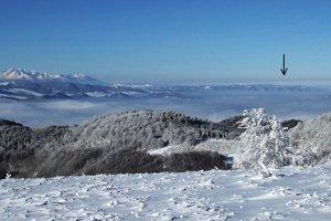 Výhľadu z Minčola na západ dominujú Vysoké Tatry, ale aj oravská Babia hora, videná cez poľské územie.