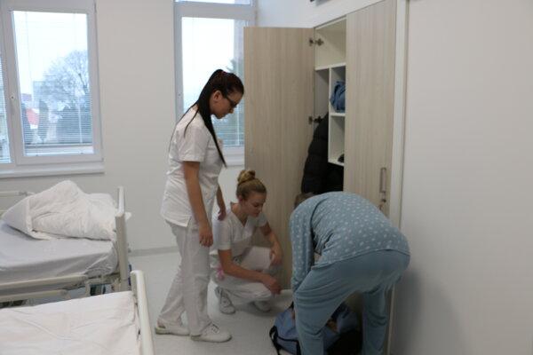Nemocničné izby.