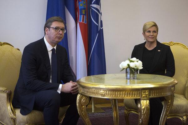 Srbský prezident Aleksandar Vučič s chorvátskou prezidentkou Kolindou Grabarovou-Kitarovičovou.