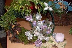 Víťazný vianočný svietnik vyrobila Katarína Tunegová.