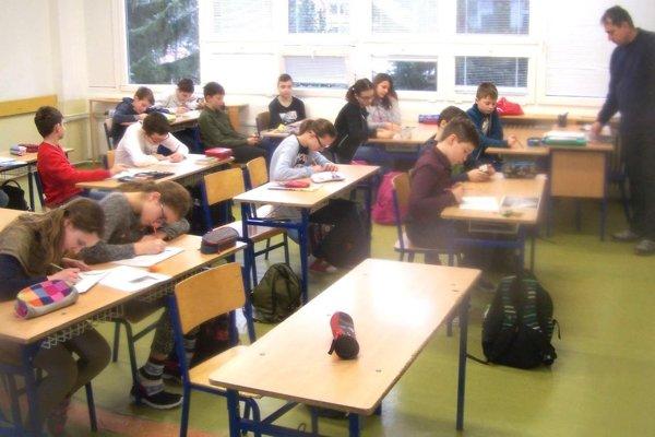 Študenti prvého ročníka na Gymnáziu Jozefa Lettricha v Martine.