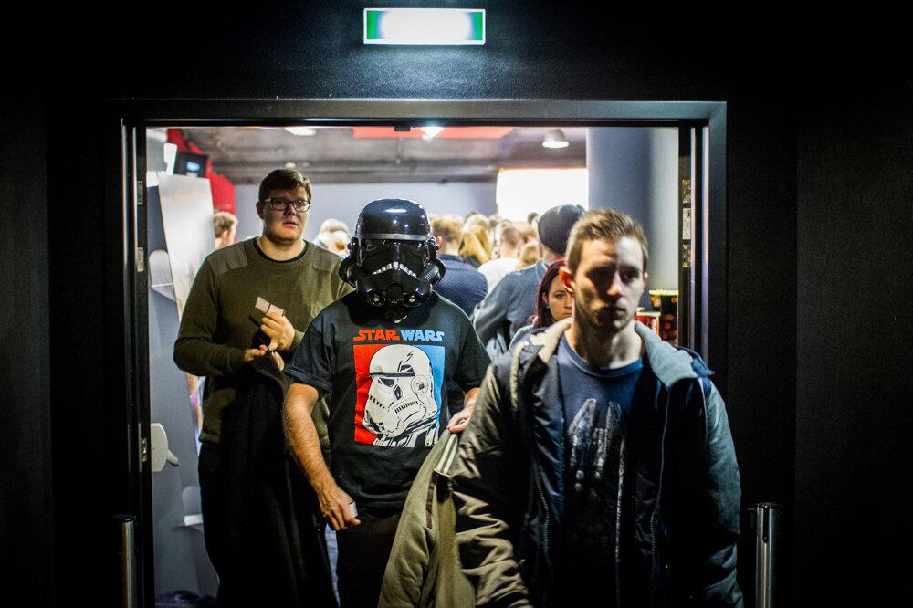Fanúšikovia na premiére filmu Star Wars Sila sa prebúdza. (16. 12. 2015, Bratislava)