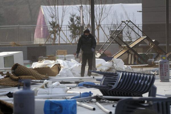 Silný vietor v Pjongčangu pustošil, čo sa dalo.