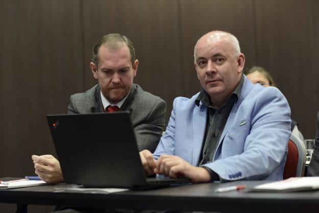 Milan Mokráň (vľavo) riaditeľ divízie regionálnych týždenníkov MY vydavateľstva Petitpress a Štefan Korman, obchodný riaditeľ divízie regionálnych týždenníkov MY vydavateľstva Petitpress.