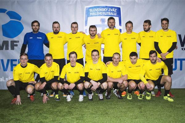 Mužstvo Pivkári z Nitry skončilo tretie na celoslovenskom turnaji v malom futbale.