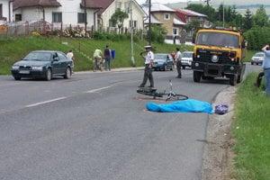 TVRDOŠÍN, jún 2008. Ľudovít išiel bicyklom do práce, neďalekého poľnohospodárskeho družstva. Pri prechádzaní cez hlavnú cestu ho zrazila tatra, zrážku neprežil.
