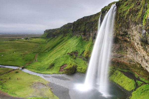 Na Islande nájdete desiatky nádherných vodopádov.