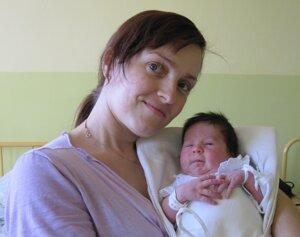 Alžbetka v náručí svojej matky.