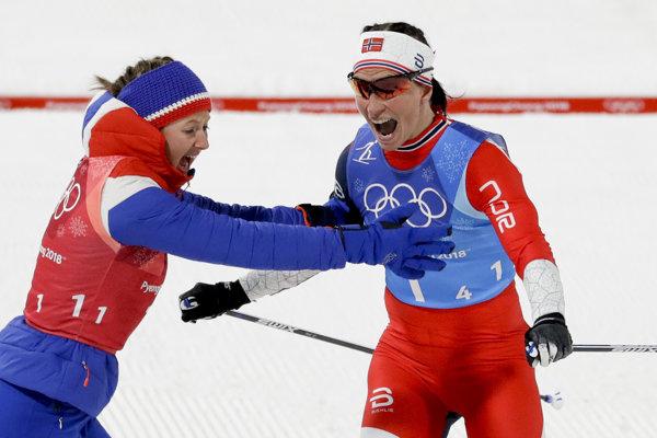 Nórska bežkyňa na lyžiach Marit Björgenová (vpravo).