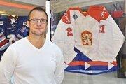 Roman Kontšek v mládežníckych kategóriách reprezentoval Československo, v slovenskom drese nastúpil na dvoch olympiádach.