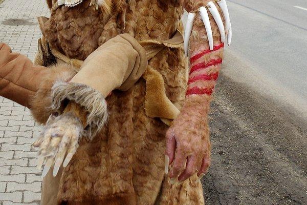 Za takéto precízne maskovanie do sprievodu by sa nehanbili ani filmoví maskéri.