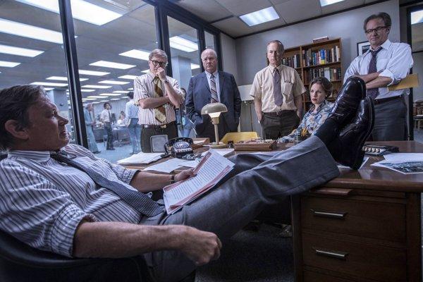 Tom Hank ako šéf politickej jednotky z Washington Post.