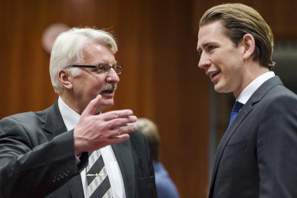 Poľský minister zahraničia Witold Waszczykowski (vľavo) s rakúskym kolegom.