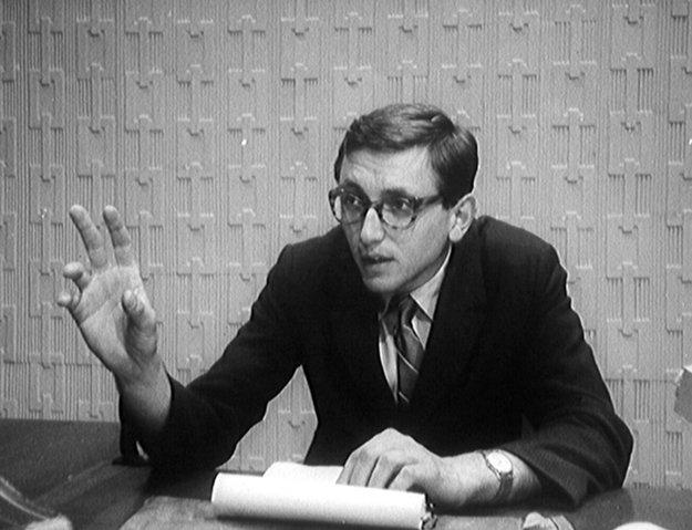 Obžalovaný. Film Jána Kadára a Elmara Klosa z roku 1964 o procese s nevinným riaditeľom elektrární a spolupráci vlády s justíciou skončil v trezore. Jiří Menzel ako obhajca v ňom vytvoril jednu zo svojich prvých filmoých úloh.