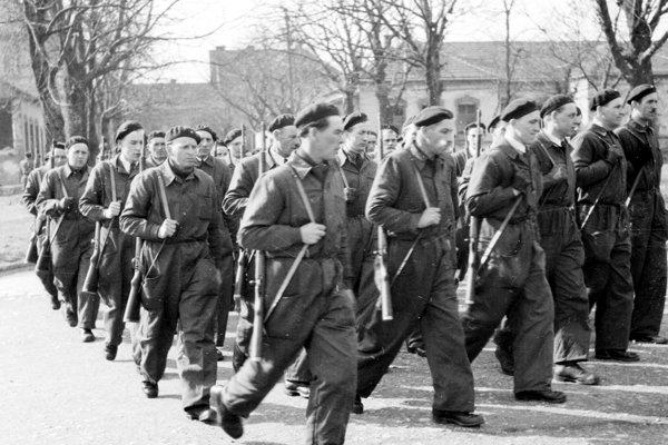 Ľudové milície vo februári 1948.