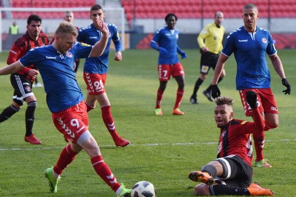 Senica v Trnave neuspela. Po víťaznom góle domácich však prišlo k incidentu.