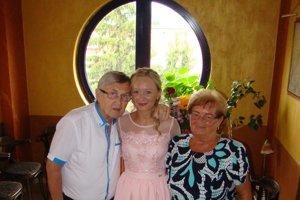 So starými rodičmi.