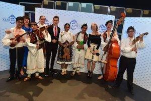 Ľudová hudba Detského folklórneho súboru Prvosienka sa bude uchádzať o hlasy priaznivcov aj v sobotnom semifinále.