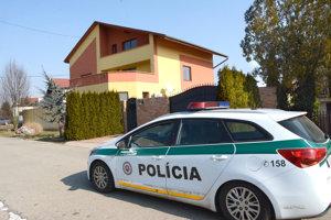 Dom na Ružovej ulici, kde prebiehal štvrtkový policajný zásah.
