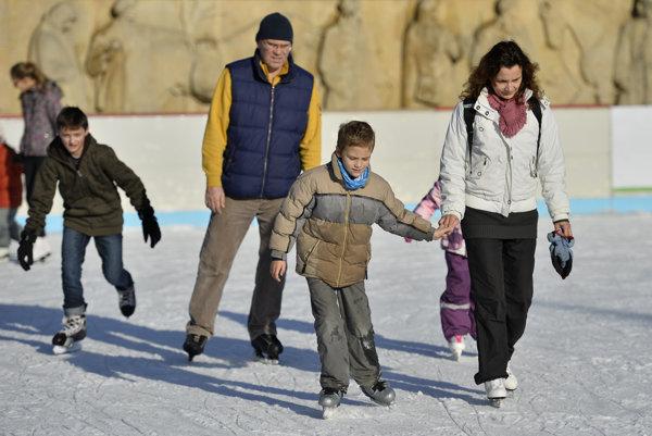 Klzisko v Prievidzi bude aj vďaka  vhodným poveternostným podmienkam na Námestí slobody až do 18. januára.