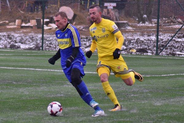 Káder Slavoja vzime vystužil navrátilec Emil Lukáč (vľavo), Pavol Bellás (vpravo) ho opustil.