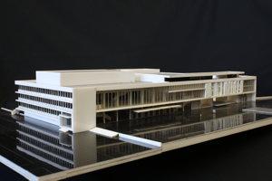 Model Domu kultúry. Podľa architektov je tento objekt významný v celoslovenskom aj európskom kontexte, chcú ho preto ochrániť.
