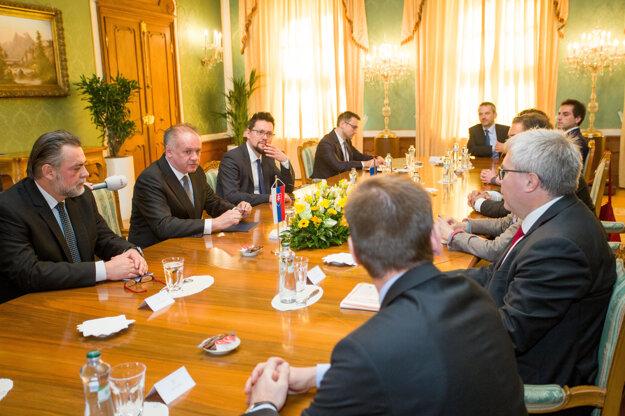 Prezident Kiska sa stretol s delegáciou z europarlamentu.