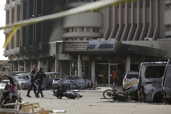 Hotel Splendid v metropole Burkiny Faso po útoku džihádistov.