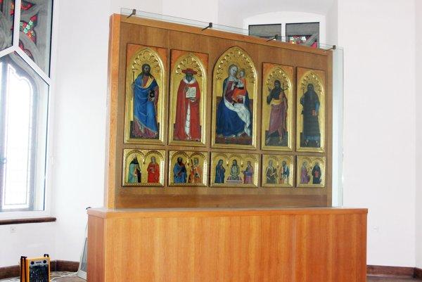 Bojnický oltár spolu s bojnickým zámkom patrí k jedinečnostiam hornej Nitry.