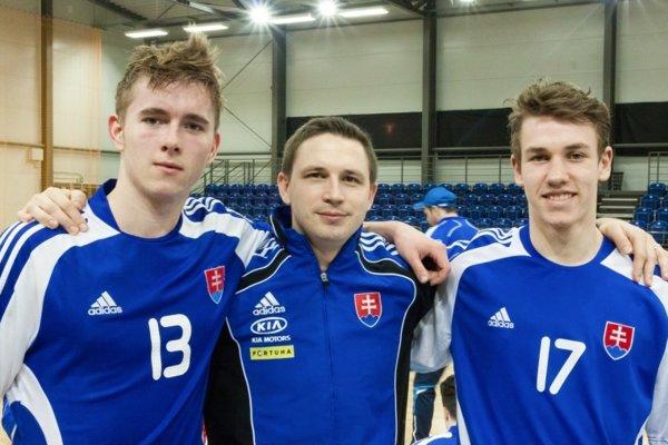 Zľava Pavol Telúch, tréner Martin Majling a Oto Malík.