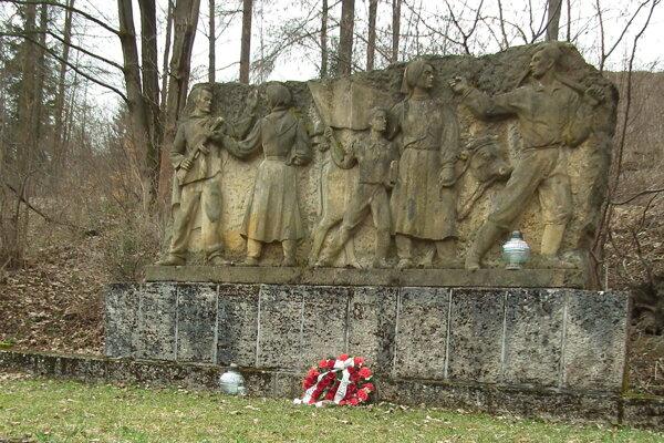 Pamätník SNP v Trstenej.