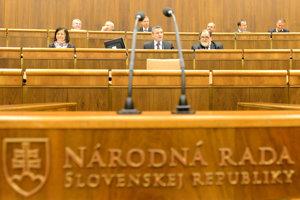 Rečnícky pult v Národnej rade Slovenskej republiky.