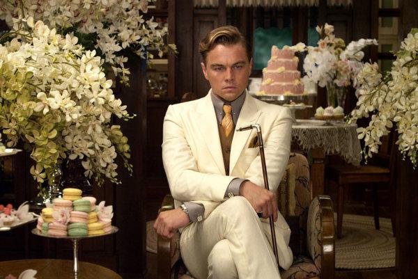 Leonardo DiCaprio ako Veľký Gatsby. Vjeho dome bolo vždy všetko pripravené na veľký večierok, no nie vždy mal náladu adôvod na oslavu.
