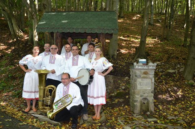 Svoj prvý album Slašťanskou dolinou stihli už aj pokrstiť.