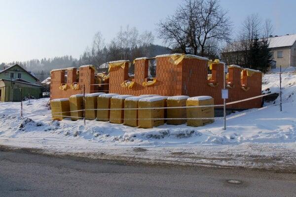 V Zákopčí plánujú do konca septembra postaviť novú obecnú knižnicu a informačné centrum.