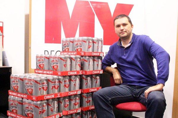 Na víťaza každého z 15 kôl čaká v redakcii kartón piva Corgoň.