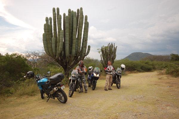 Mexiko videli cestovatelia z prenajatých motoriek.