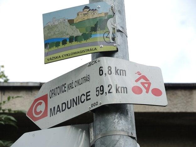 Cykloznačky v Trenčíne.