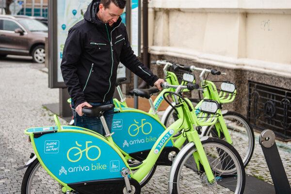 Sezóna zdieľaných bicyklov štartuje zajtra.