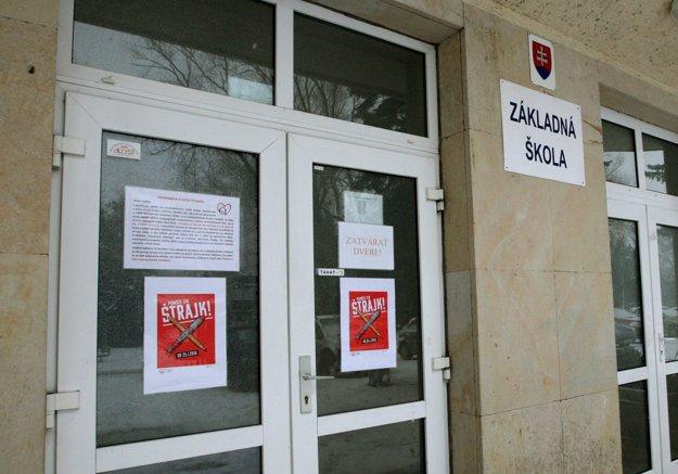 Štrajk podporili aj pedagógovia zo ZŠ na Triede SNP.