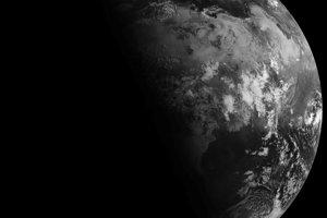 Letný slnovrat, takto dopadalo slnečné svetlo na Zem 21. júna 2010.
