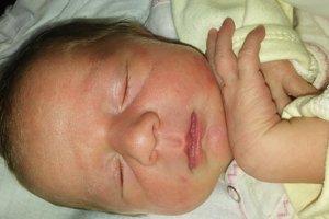 Zoja Erdödyová (2530 g, 46 cm) sa narodila 11. marca Kataríne a Eugenovi z Novej Vsi. Doma už majú Tomáša (4 roky) a Emku (17 mesiacov).