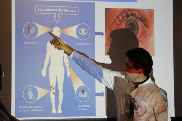 Stále nejestvuje vedecký konsenzus, že medzi zikou a mikrocefáliou existuje priama súvislosť.