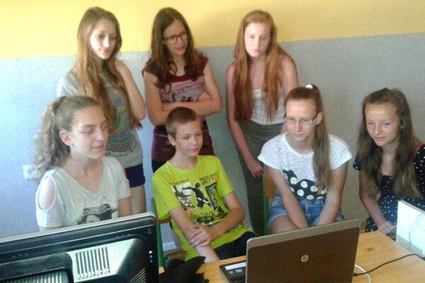 Naši žiaci komunikovali s poľskými po anglicky.