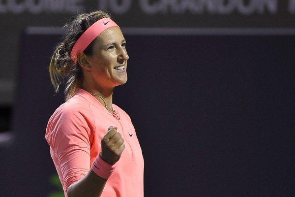 Viktoria Azarenková sa raduje z postupu do semifinále.