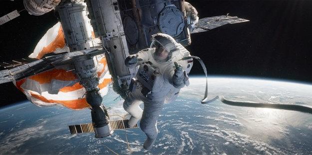 Sandra Bullock v snímke Gravitácia (2015).