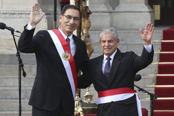 Prezident Peru Martin Vizcarra a  nový premiér Cesar Villanueva.