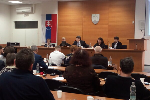 Mimoriadne mestské zastupiteľstvo v Senici prideľovalo peniaze miestnym organizáciám.