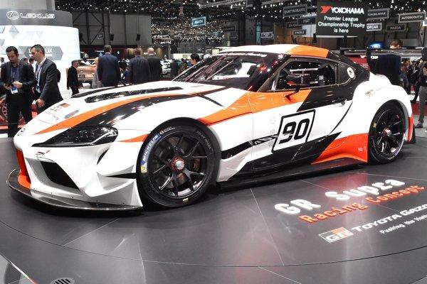 Koncepčný automobil Toyota GR Supra Racing. Štúdia GR Supra naznačuje, že Toyota plánuje vyrábať vozidlo, nadväzujúce na pôvodný model Supra, ktorý sa prestal vyrábať pred 15 rokmi.